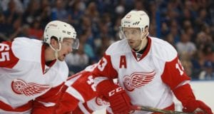 Pavel Datsyuk agent shoots down a Detroit Red Wings return.