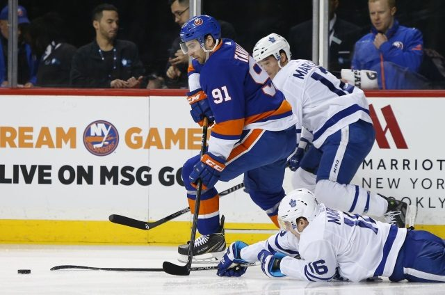 Can new Toronto Maple Leafs GM Kyle Dubas make a big splash with UFA John Tavares?