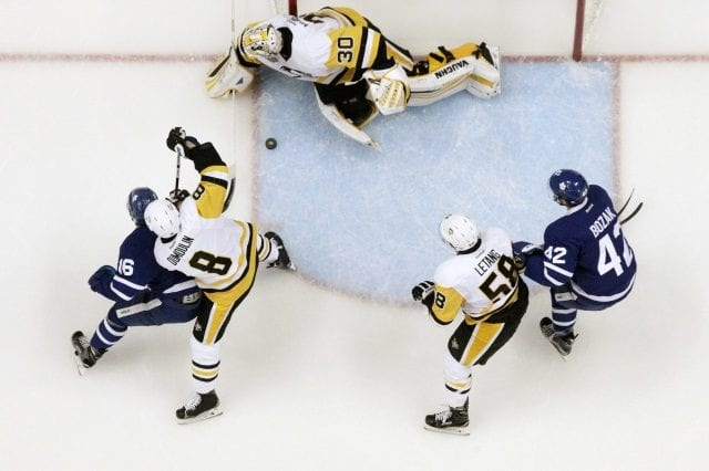 Toronto Maple Leafs center Tyler Bozak could be one potential trade option for the Pittsburgh Penguins