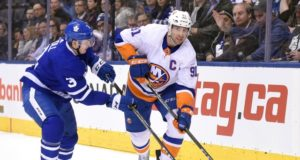 John Tavares signs with the Toronto Maple Leafs