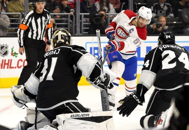 Does it makes sense for the Montreal Canadiens to sign Max Pacioretty to an extension as they appear to be having difficulty getting the trade value they had hoped.