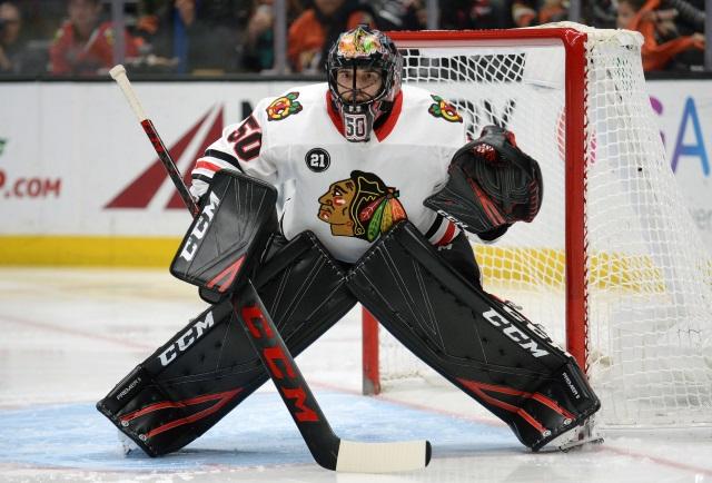Chicago Blackhawks goaltender Corey Crawford suffers another injury.