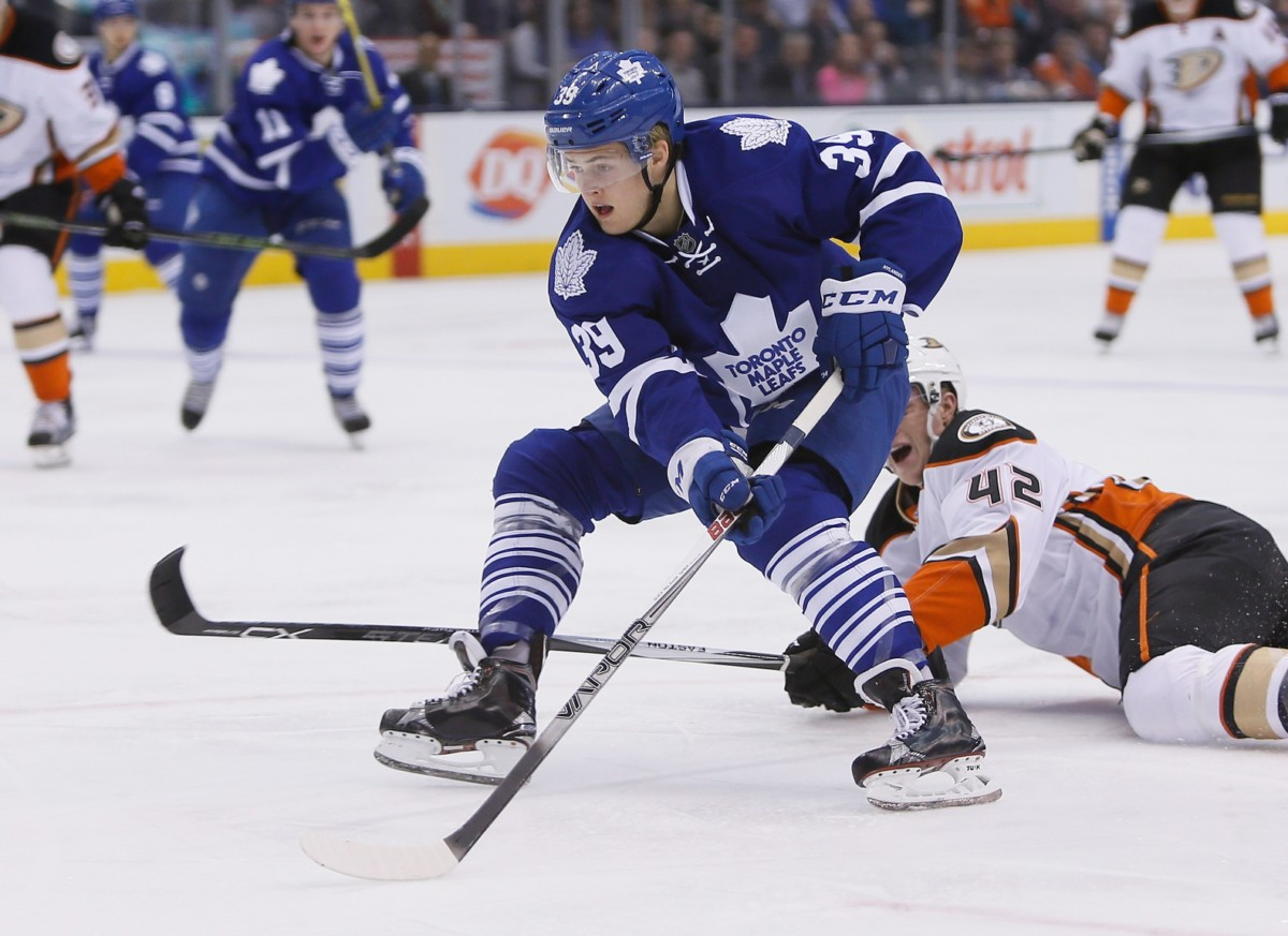 Leafs sign Nylander to a six-year contract