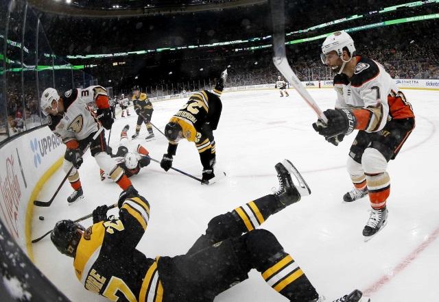Ducks' losing streak reaches 11 — Sunday's National Hockey League roundup