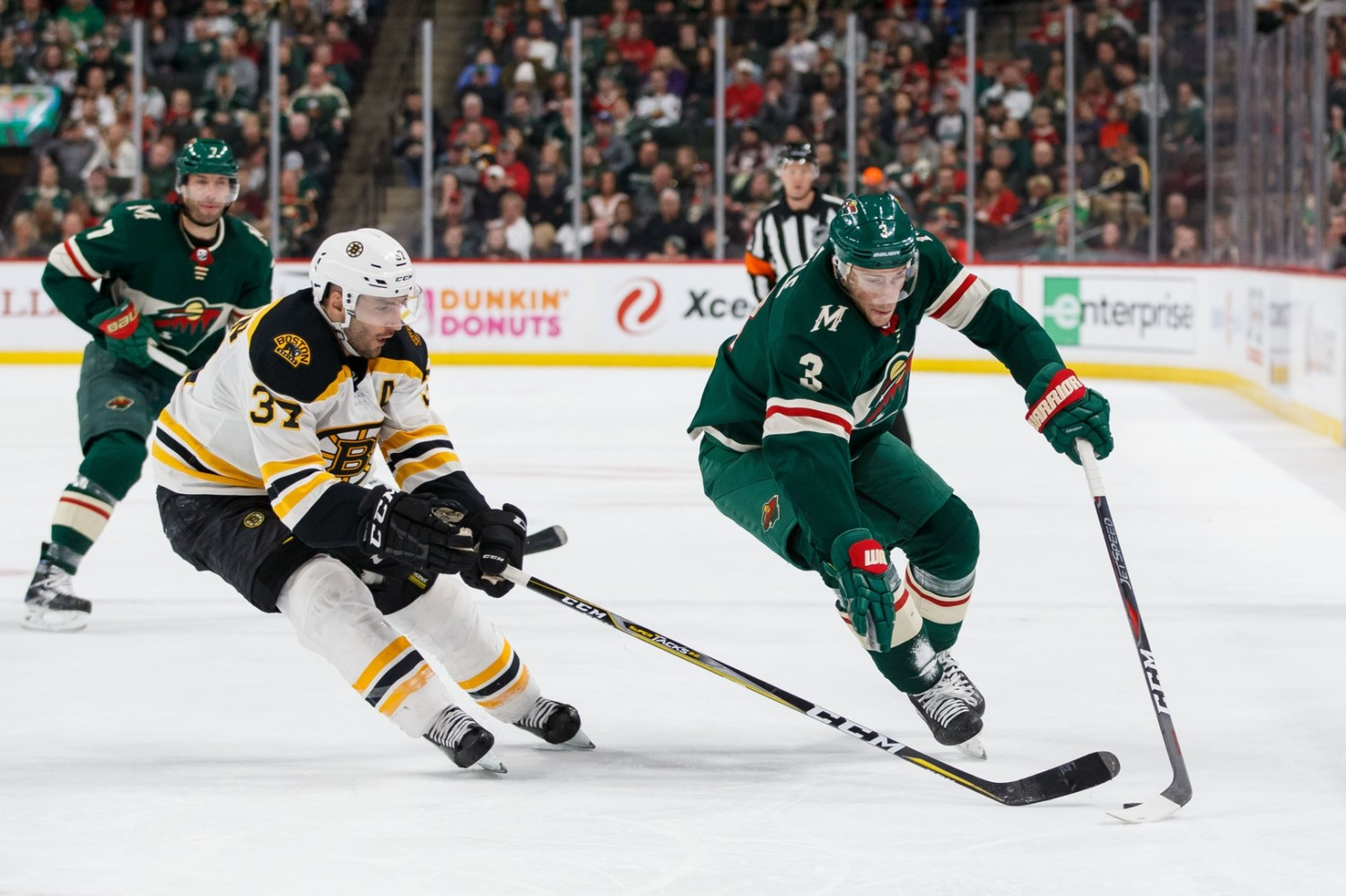 Wild trade Coyle to Bruins for Donato, 5th-rounder