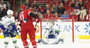 It should be a no-brainer for the Vancouver Canucks to extend Jacob Markstrom.