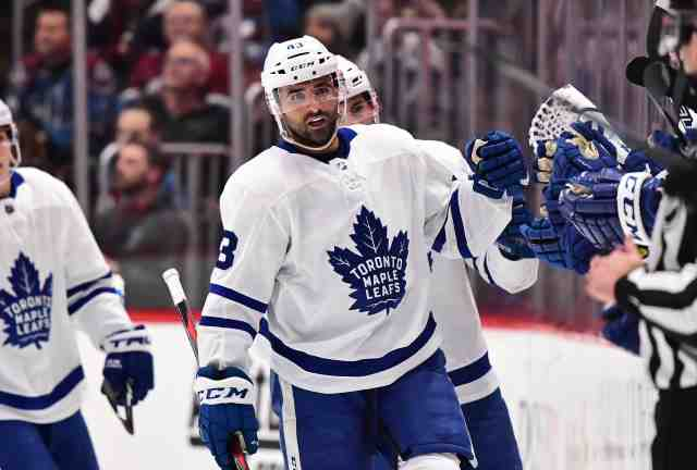 Curse be damned, Drake shows up at Maple Leafs game