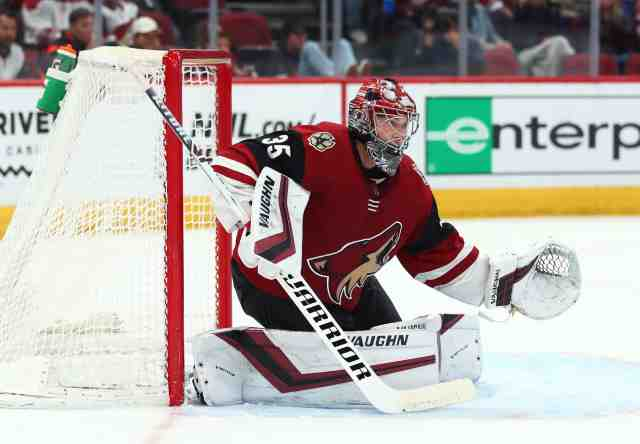 Some think the Arizona Coyotes should trade one of Darcy Kuemper or Antti Raanta.