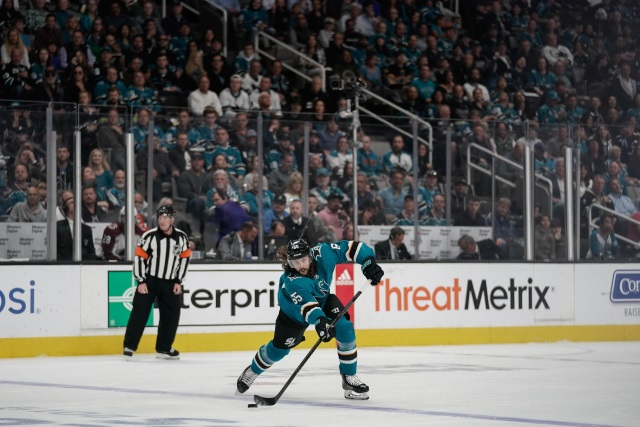 Karlsson gets 8-year deal from Sharks
