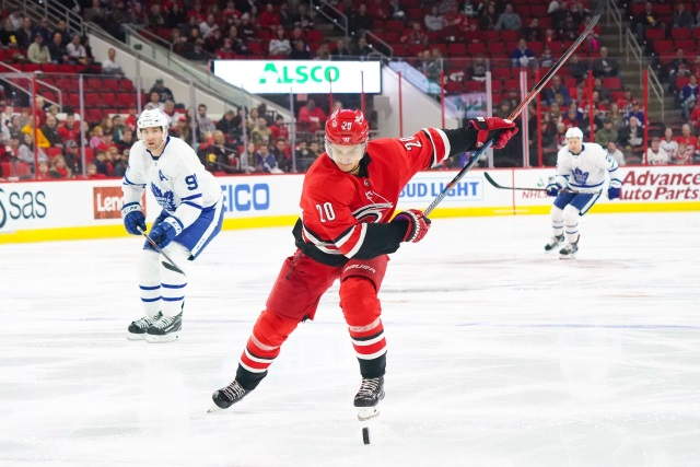 Toronto Maple Leafs ink forwards Kapanen and Johnsson to new deals