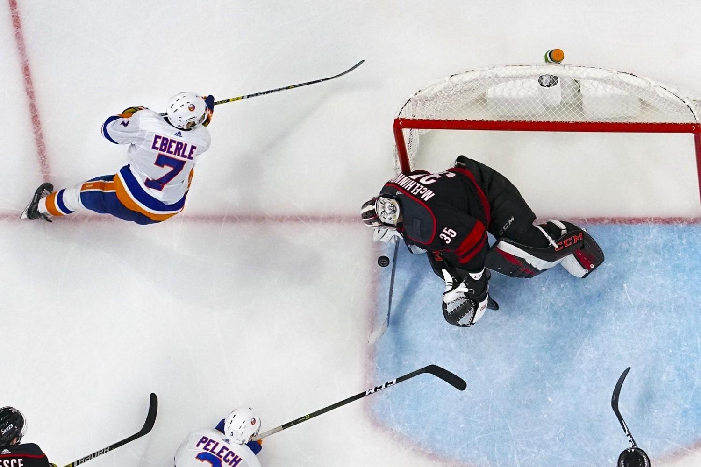 the New York Islanders haven't closed the door on signing free agent winger Jordan Eberle.