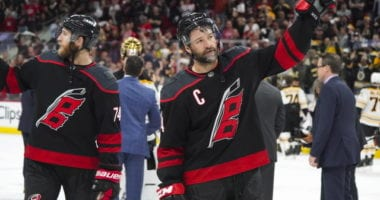 Justin Williams signs a one-year deal with the Carolina Hurricanes