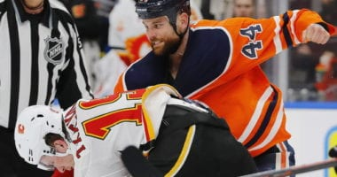 Zack Kassian the Edmonton Oilers agree on a four-year extension. Kassian and Matthew Tkachuk drop the gloves