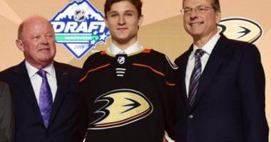 The Anaheim Ducks have signed 2019 first-round pick Trevor Zegras