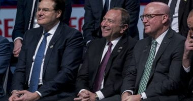 Gary Bettman and other sports leaders talk with President Donald Trump