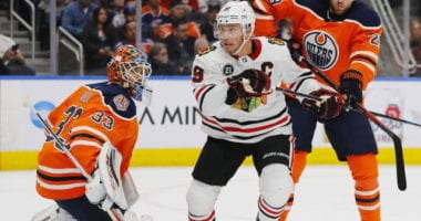Looking at the betting odds and some storylines for the play-in Western Conference series between Chicago Blackhawks and the Edmonton Oilers.