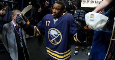 Wayne Simmonds thinks he could make an impact on the Toronto Maple Leafs. The St. Louis Blues could move out more salary.