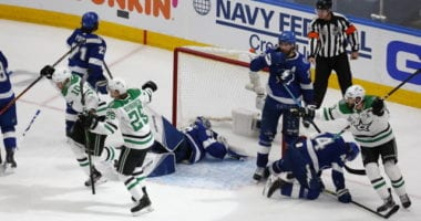 The Dallas Stars survived their first elimination game, closing the series gap to 3-2 after a 3-2 double overtime win.