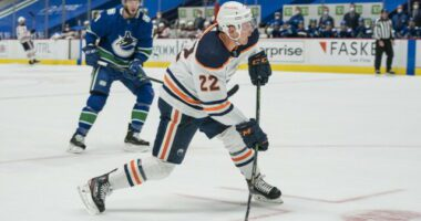 Sabres demands remain high for Jack Eichel. Bruins - Coyotes talking. Edmonton Oilers looking for depth and won't go big for their blue line.