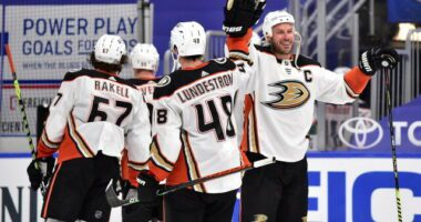 2021-22 Anaheim Duckss season primer: salary cap projections, offseason moves, roster, 2021-22 free agents, 2022 draft picks, and schedule.ons, offseason moves, 2021-22 free agents, 2022 draft picks, and their season schedule.