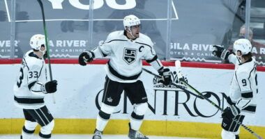 2021-22 Los Angeles Kings season primer: salary cap projections, offseason moves, roster, 2021-22 free agents, 2022 draft picks, and schedule.